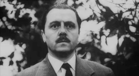 attenborough as Billy Savage