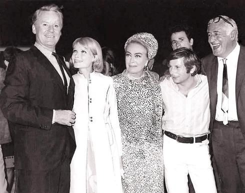 Van Johnson Mia Farrow Joan Crawford Roman Polanski William Castle+premiere of Strait-Jacket 1964)