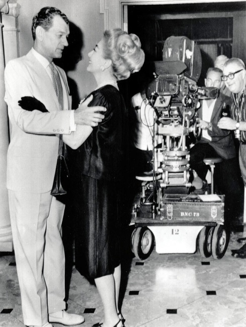 crawford and cotten on the set