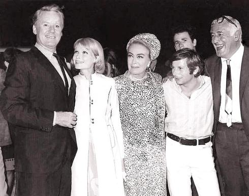 van-johnson-mia-farrow-joan-crawford-roman-polanski-william-castlepremiere-of-strait-jacket-1964