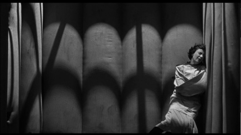 01_womens_prison_dvd