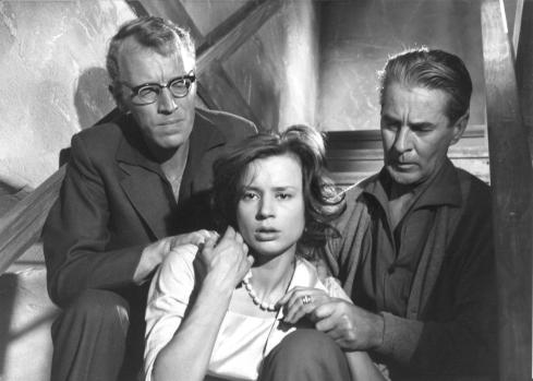 still-of-max-von-sydow,-harriet-andersson-and-gunnar-björnstrand-in-såsom-i-en-spegel-(1961)-large-picture