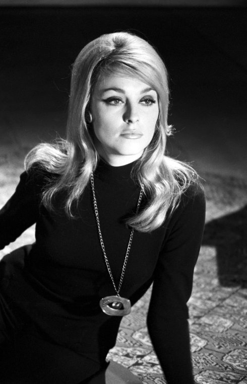 008-sharon-tate-theredlist