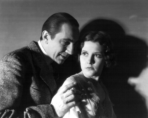 Jacqueline Wells (Julie Bishop) and Bela Lugosi in The Black Cat