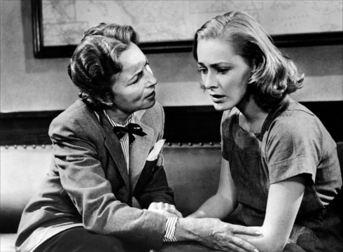 046-agnes-moorehead-theredlist-Agnes Moorehead and Eleanor Parker in Caged directed by John Cromwell, 1950