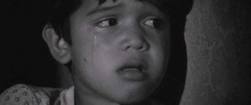 CapturFiles_15 young perry cries