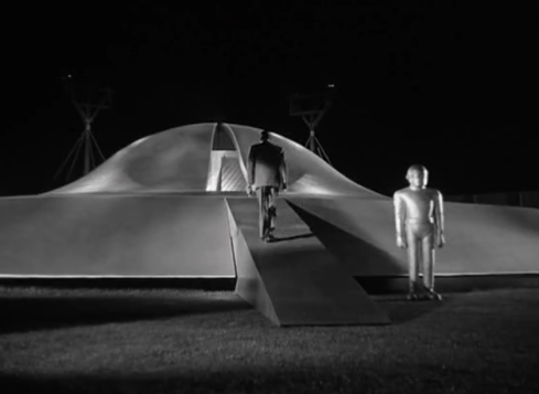 Day the Earth stood still Klaatu goes into ship to stop the earth