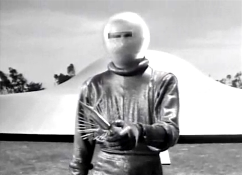Day the Earth Stood Still Klaatu with offering looks like a weapon